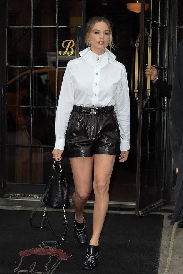 Margot-Robbie-Chanel-NYC.jpg