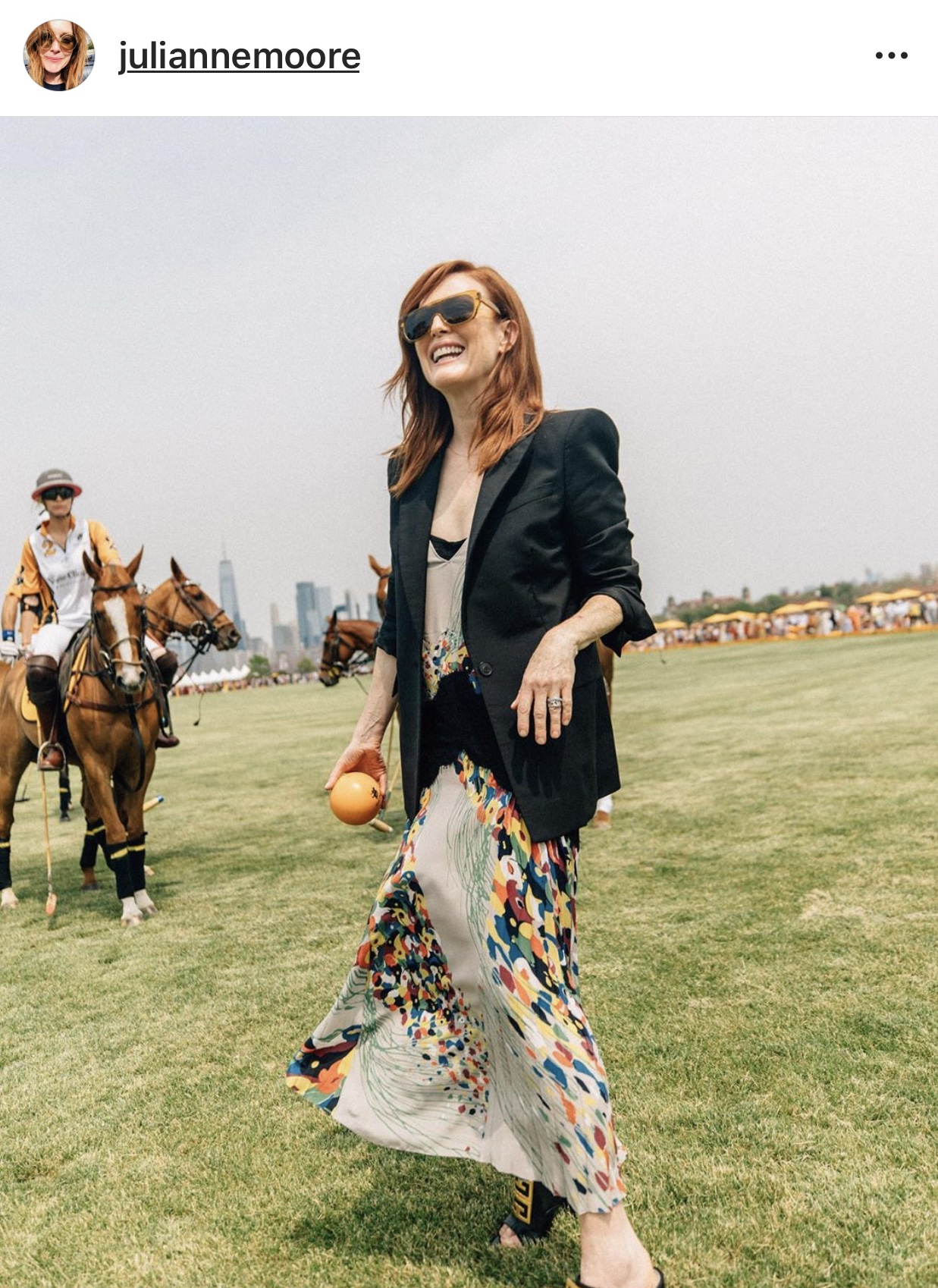 Julianne-Moore-in-Givenchy.jpg