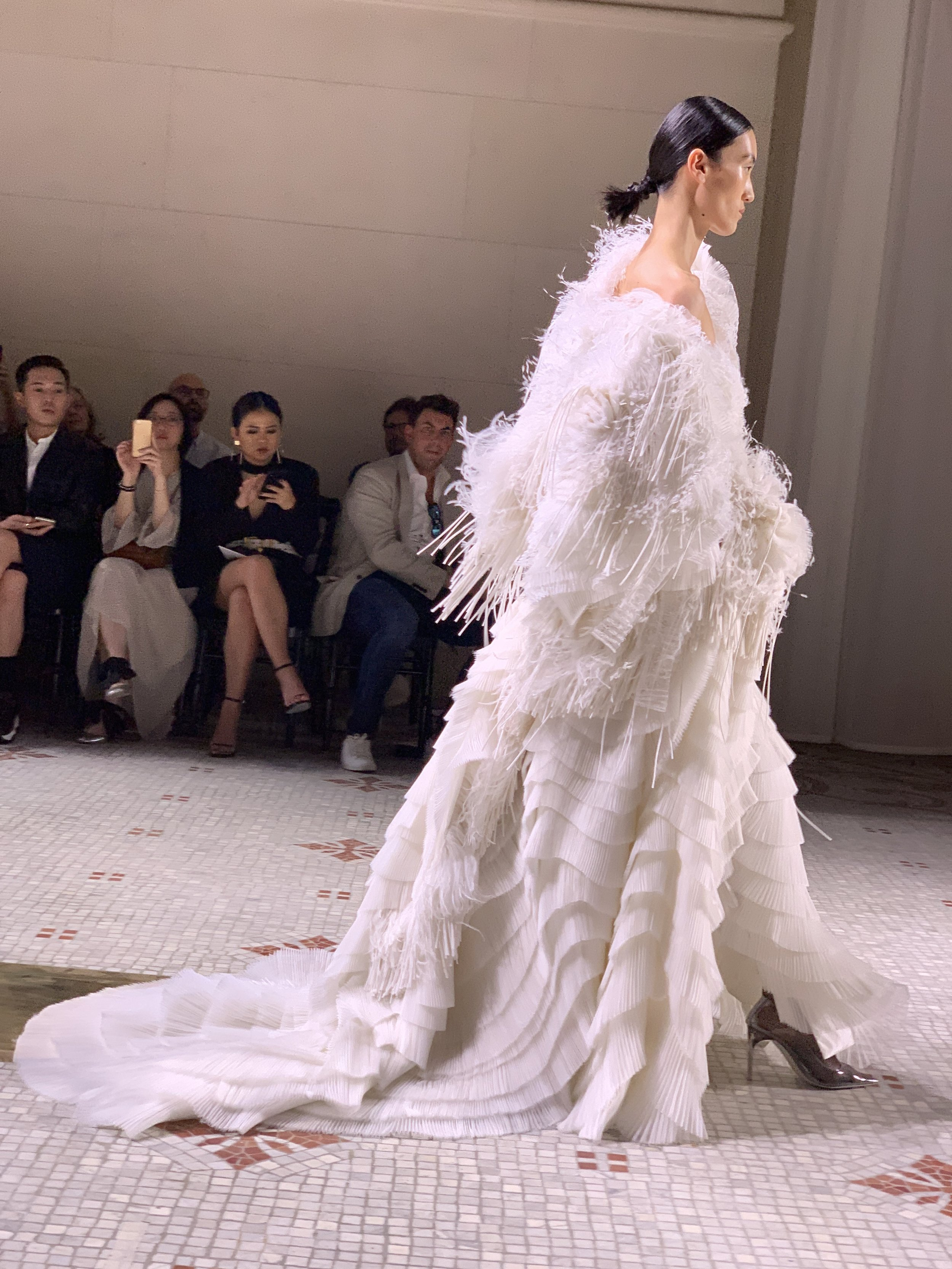 4/4 Givenchy Fall 19 Couture