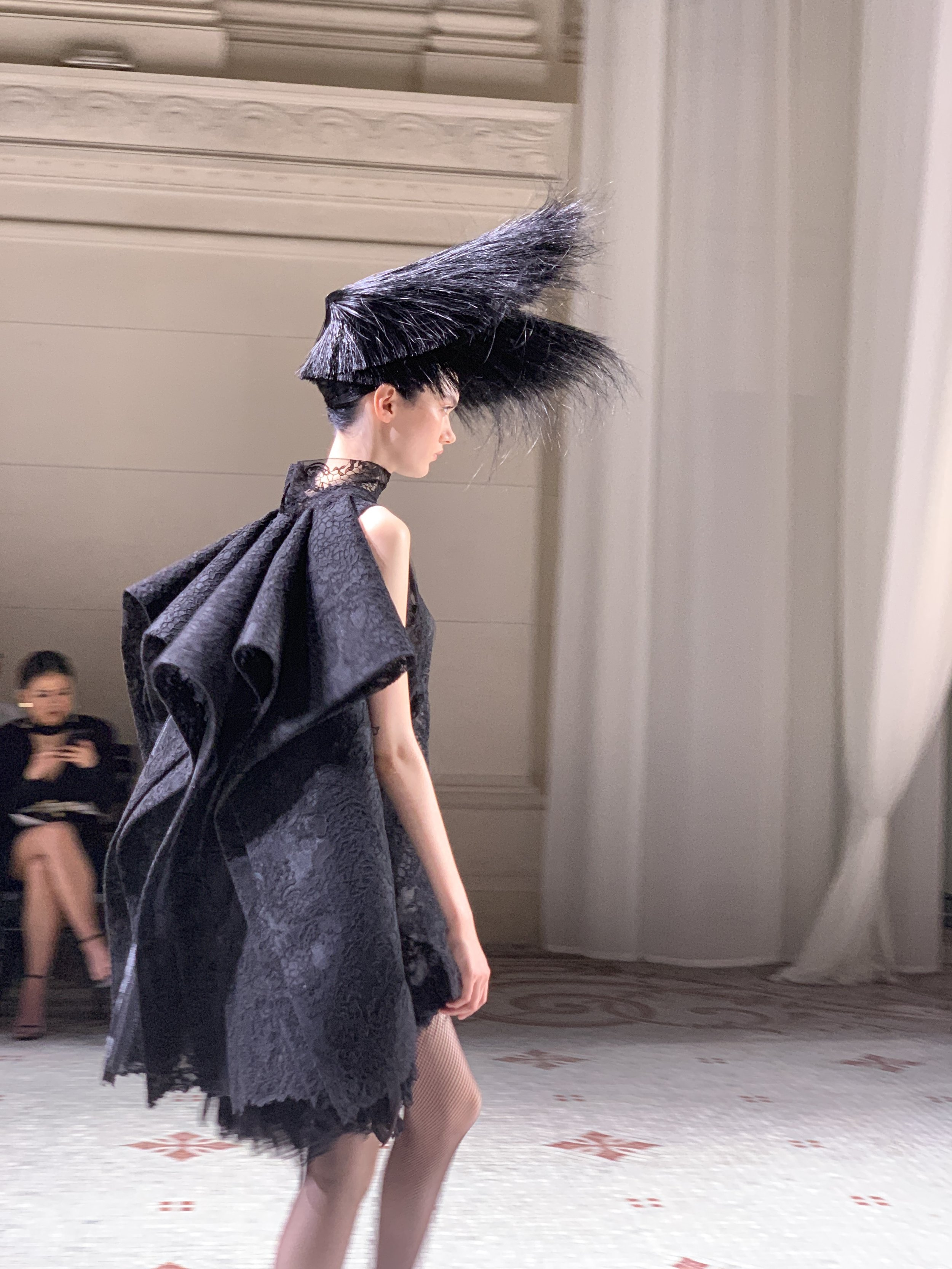 3/4 Givenchy Fall 19 Couture