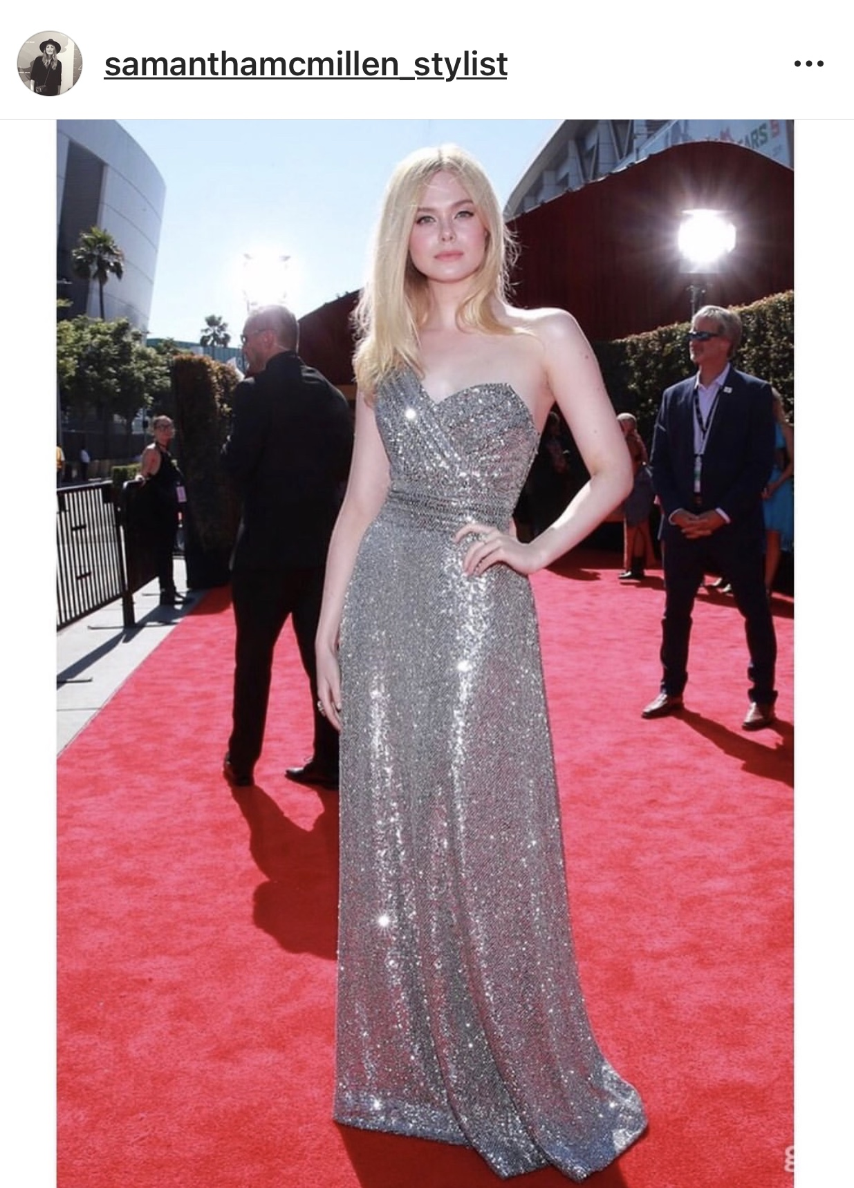 Red-carpet-style-Elle-Fanning-in-Celine.jpg