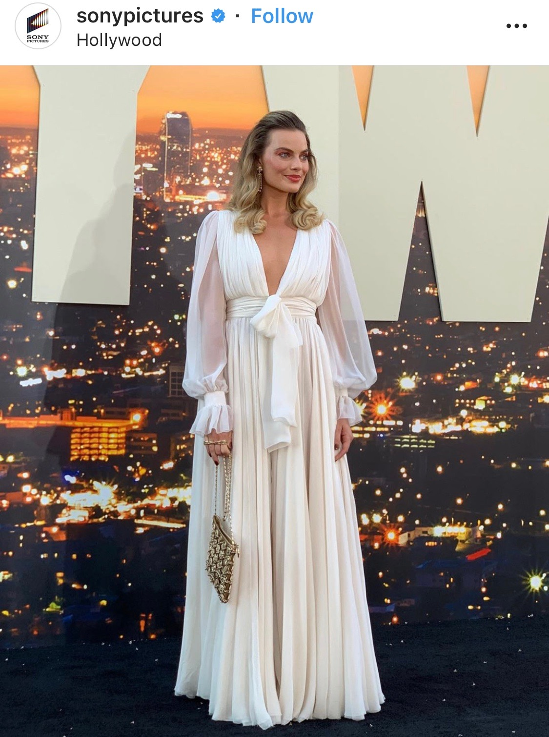 Margot-Robbie-in-Chanel-once-upoon-a-time-in-holywood-premiere.jpeg