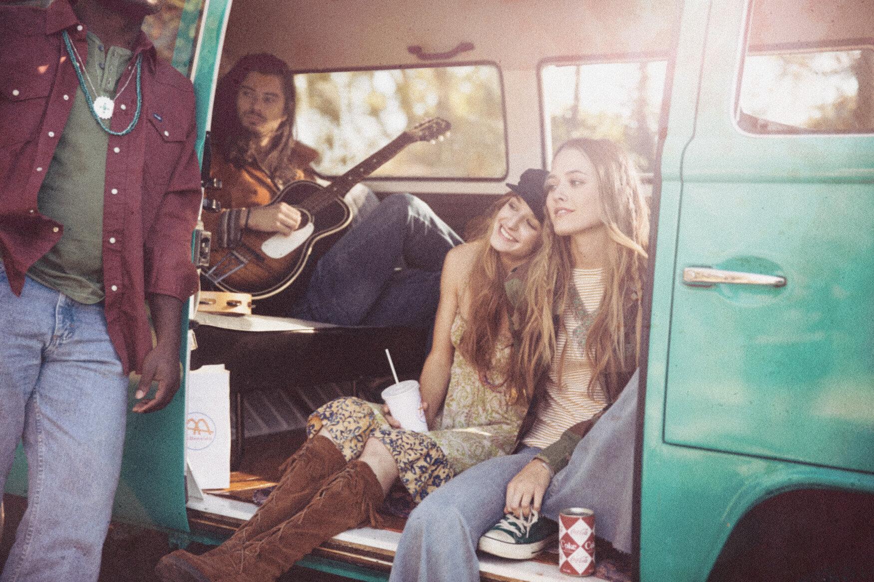 1960s-Youth-Lifestyle-1.jpg