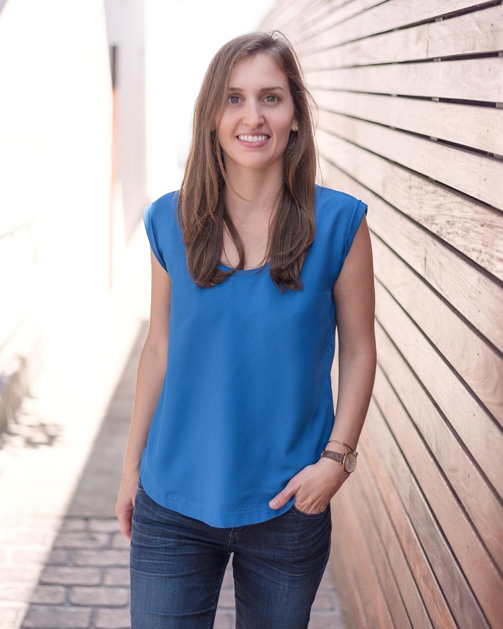 Elise Telford Headshot.jpg