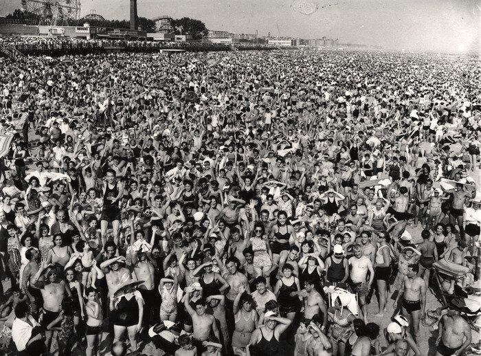 Afternoon crowd at Coney Island, Brooklyn, by Weegee (1940) Copyright © International Center of Photography