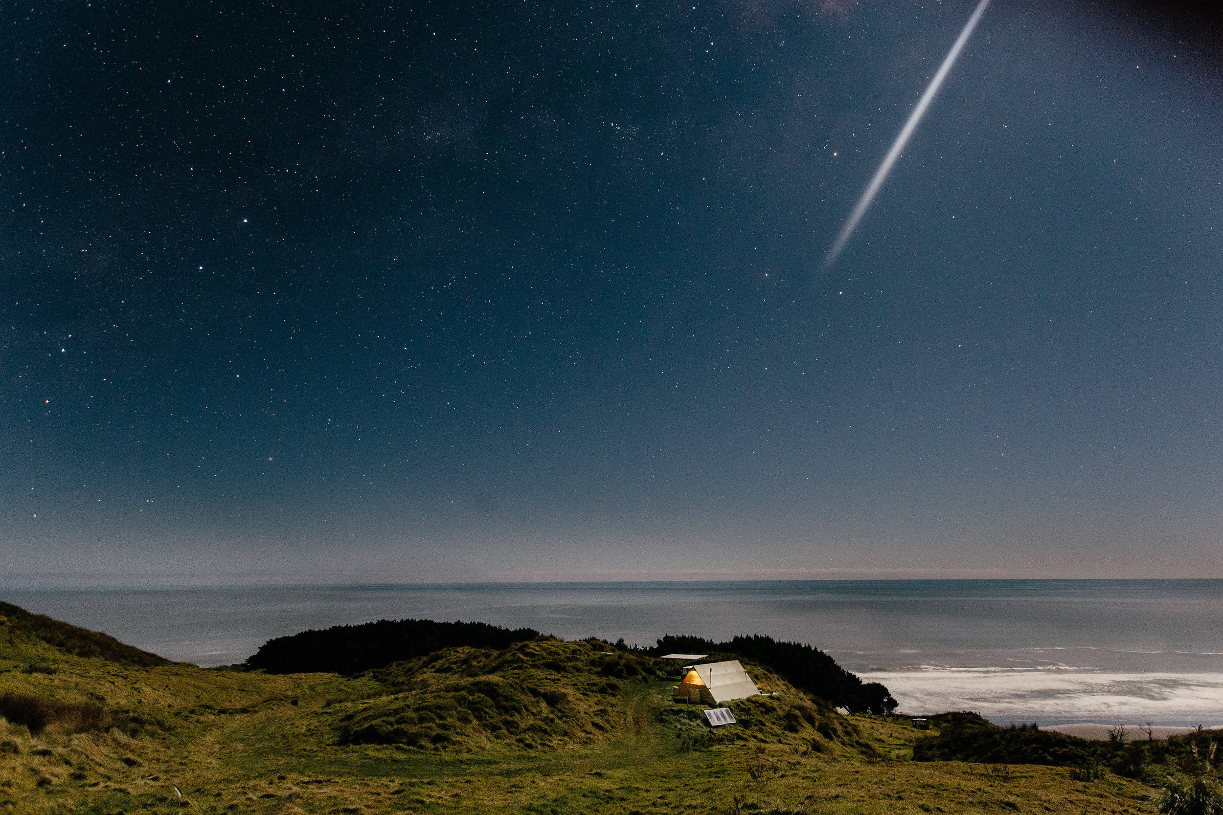 Shooting stars over glam camp HR.jpg
