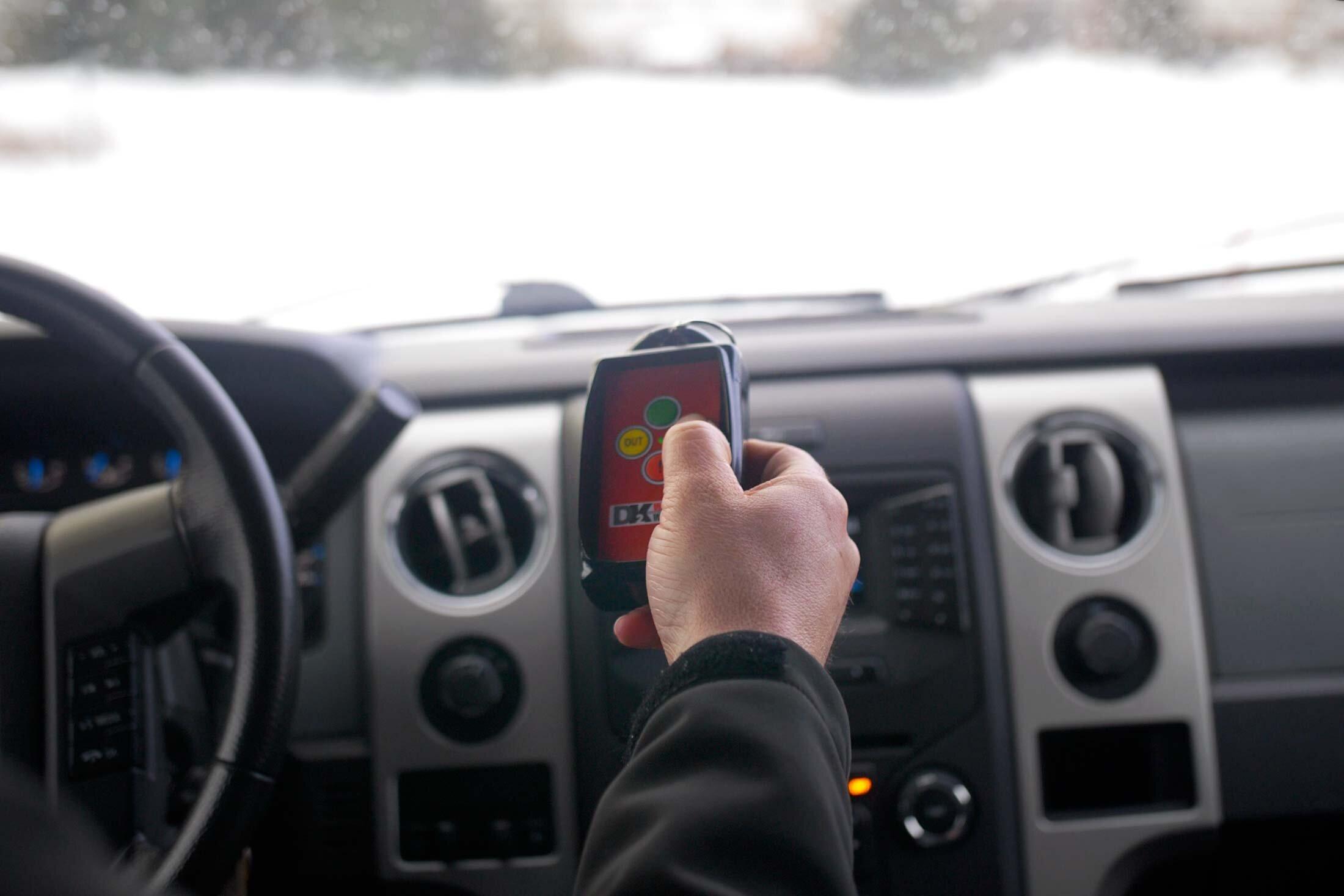 DK2-Personal-Snow-Plows-Remote.jpg