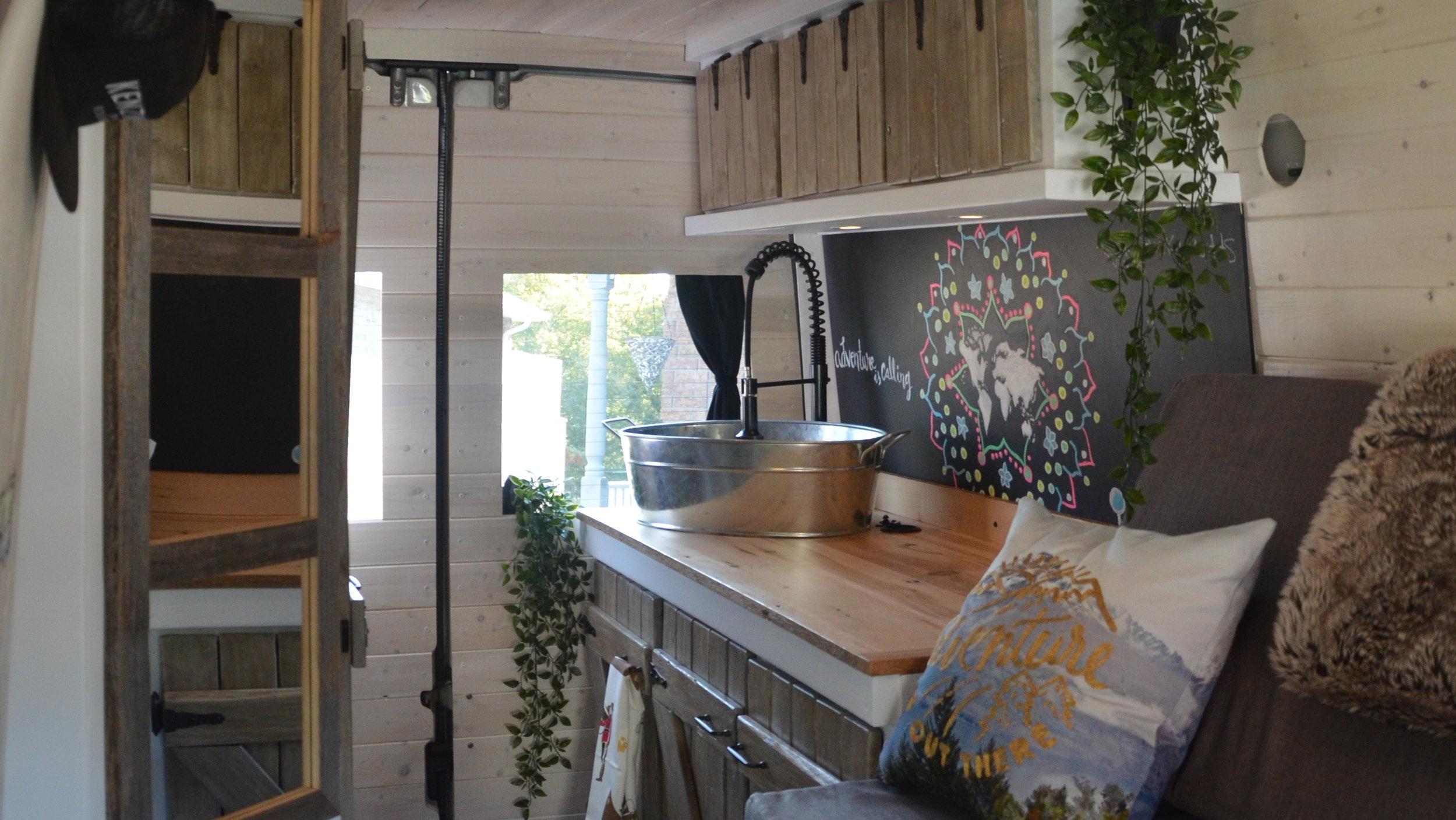 Kitchen 2 (1).JPG