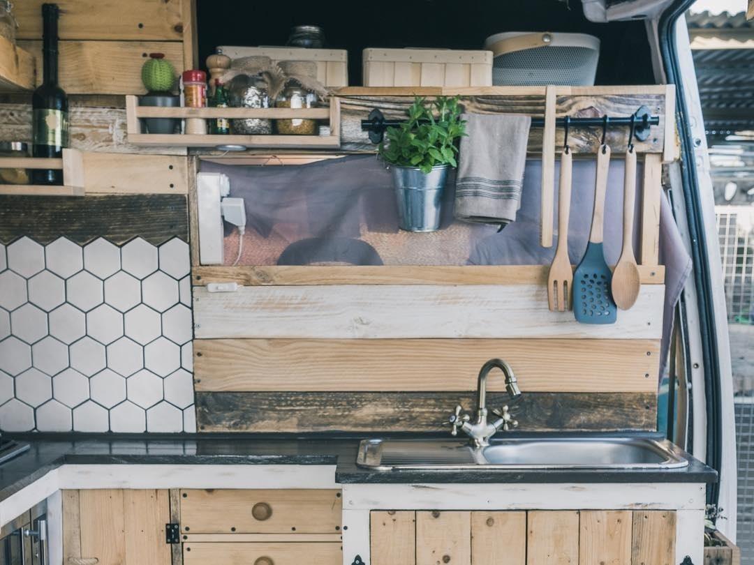 ve kitchen5.jpg