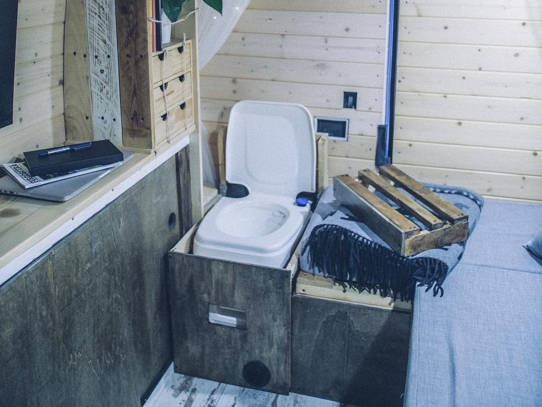 ve bathroom3.jpg