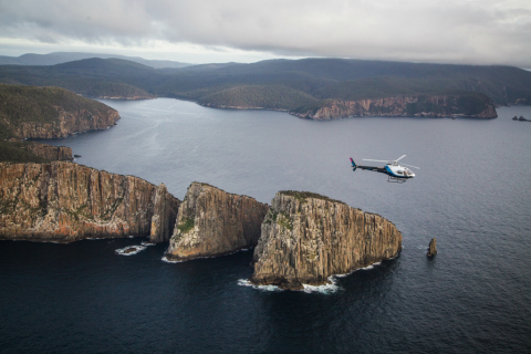 Cape_Huay_and_Osborne_Heli.jpg