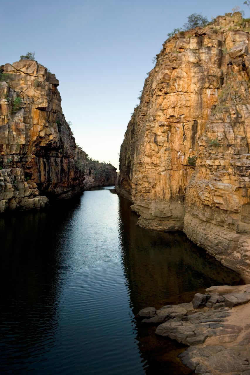Nitmiluk_Gorge_rock_faces_lg.jpg