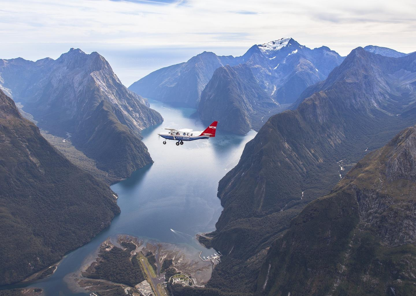 Airvan over Milford Sound.jpg