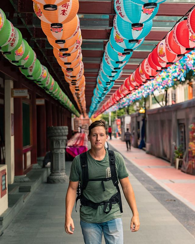 🇻🇪 Un poco más asiático? Lo dudo, después de visitar muchos países en diferentes continentes con culturas muy distintas siempre me encuentro más atraído a las ciudades asiáticas, la comida, la cultura, las sonrisas y el clima siempre me invitan a quedarme más tiempo. Y ustedes a que cultura se sienten más atraídos? 😊 // 🇬🇧 a bit more Asian than that? I doubt it, after visiting many countries in different continents and with very distinct cultures I always end up more attracted to Asia, the food, the culture, the smiles and the weather always invite me to stay there for longer. Which culture do you feel more attracted to? 😊 • • • • #singapore #exploresingapore #sglife #thisisingapore #topsgshots #singaporeinsiders #sgig #asia_vacations #wonderfulword #earthfocus #theprettycities #awesome_earthpix #wonderlustsingapore #visitsingapore #yoursingapore