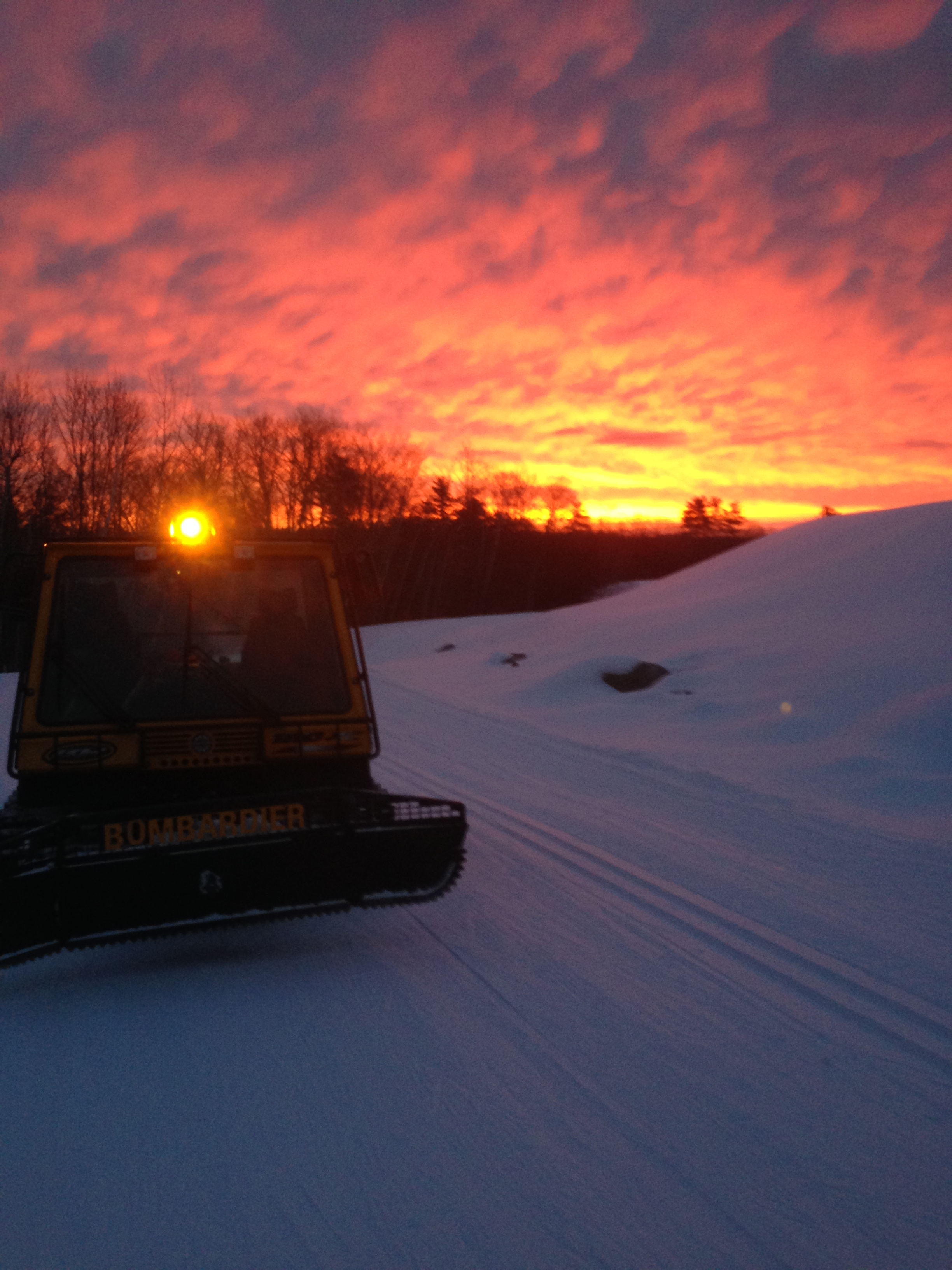 """Red Sky In Morning Sailors Take Warning"" Grooming 6:30am 3/10/19 snow started up 1 hour later!!"
