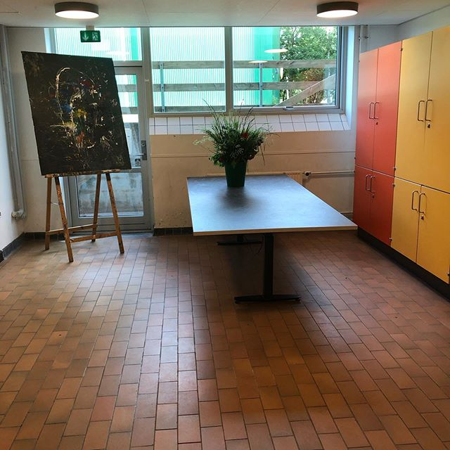 Fest på SKovbo Billedskole i dag..