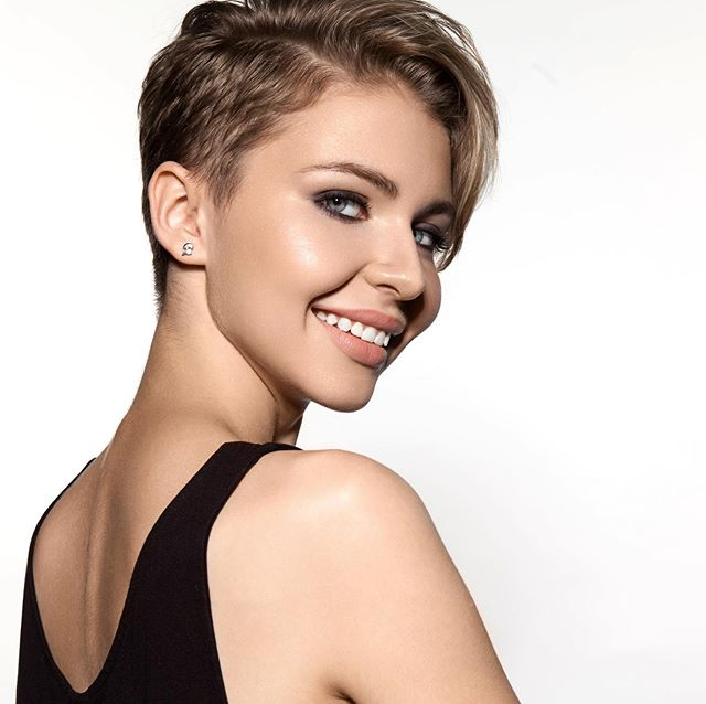 Don't you love short hair? Easy to manage and so cool 😎 #alluresalonnaplesfl #shorthair #shorthairstyles #easyhairstyles #neathaircut #goforitgirl #floridahair