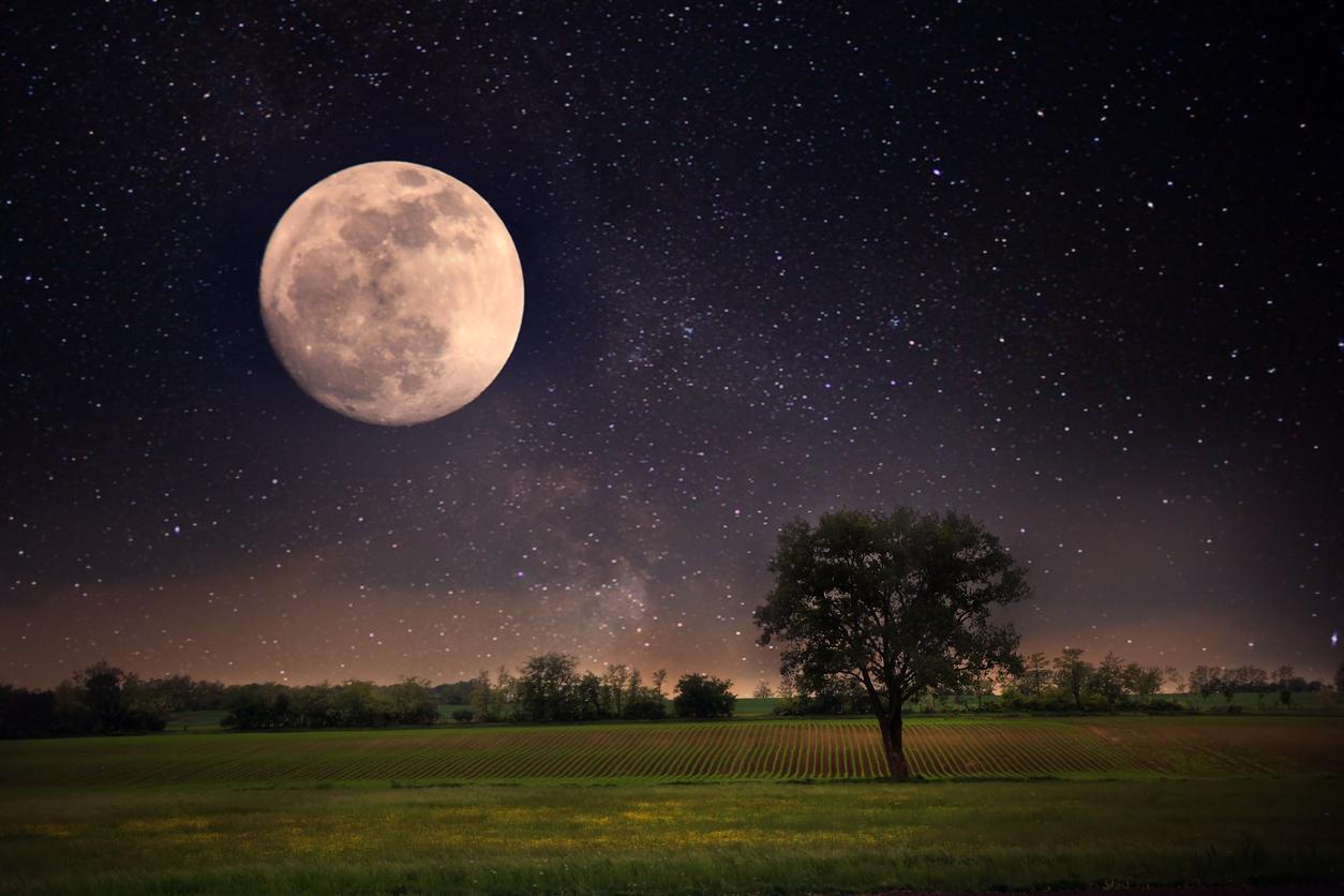 full-moon-178978365.jpg
