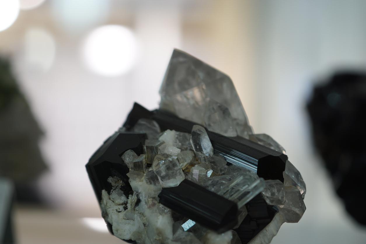 black-tourmaline-824920890.jpg