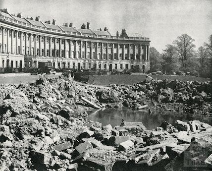The Royal Crescent In the Blitz, 1942 ©Bath In Time