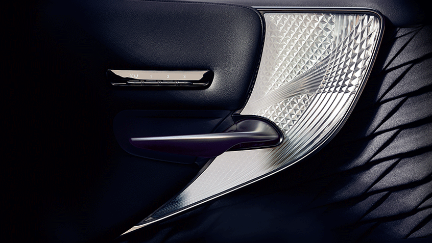 Lexus-LS-executive-package-with-kiriko-glass-hero-desktop-846x477-LEX-LSH-MY18-0077.png