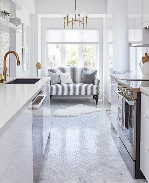 Dv Kitchens And Baths