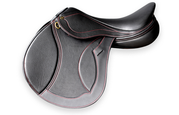 SF MELBOURNE - The StrideFree® Melbourne has been refined for close contact, with the stirrup bar alignment supporting the mobility and forever changing gravity of the rider to suit his or her position.