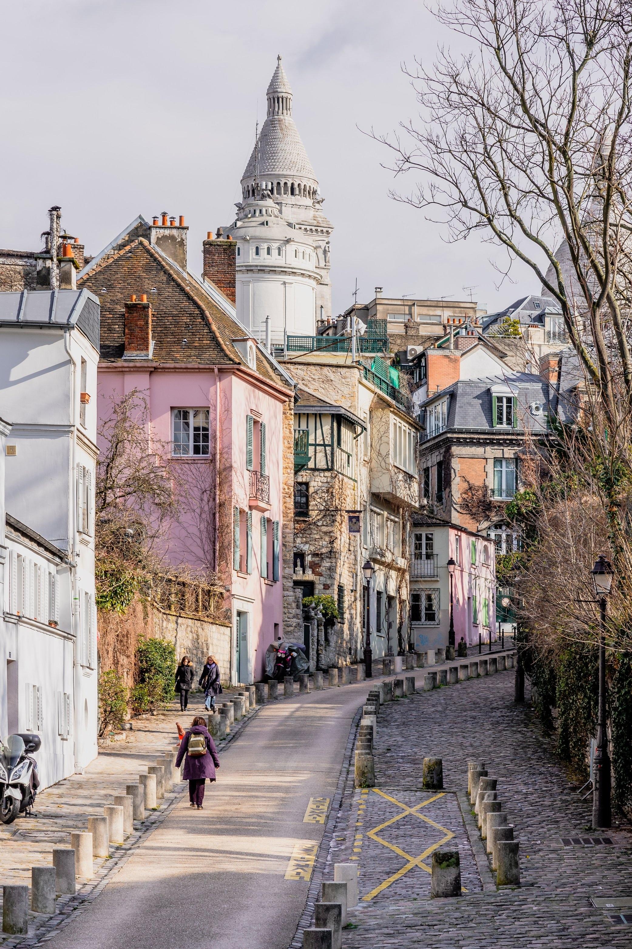 Atelier d'artiste dans tout Paris - pour Adeline artiste peintre pour qu'elle ait assez d'espace pour entreposer ses oeuvres et pouvoir s'échapper dans un rez-de-jardin dès qu'elle le peut