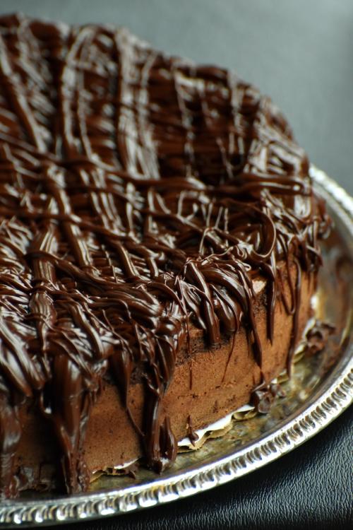 MICHAEL'S FUDGE CAKE