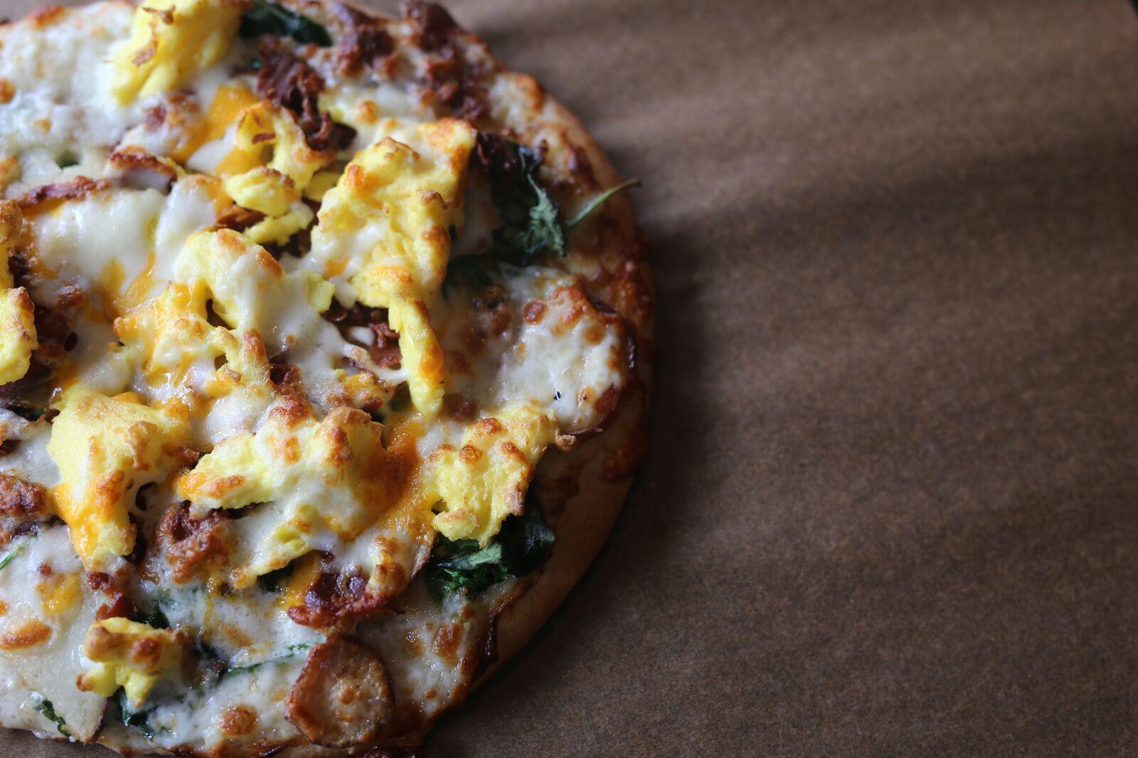Alfredo Bacon Breakfast Pizza