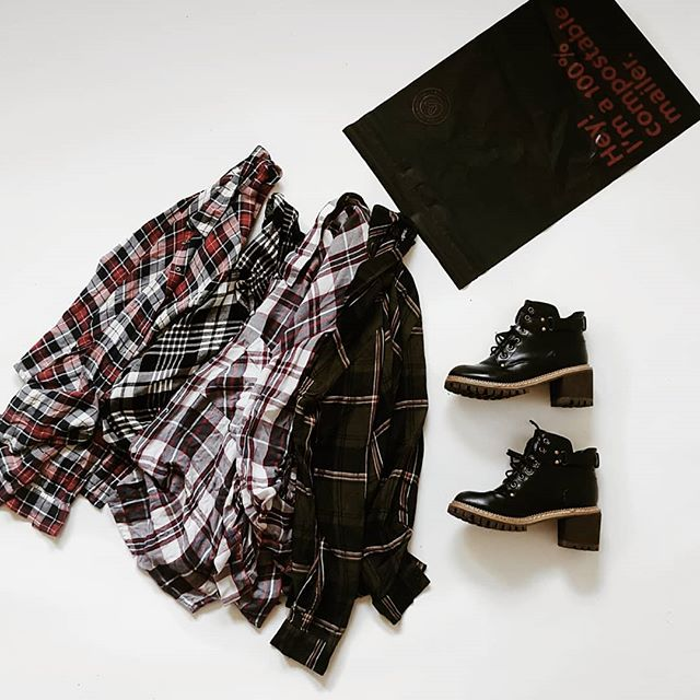 Gearing up for fall with our plaids, boots and chunky knits! 🍁🍒👢 We're also pleased to announce that all of our boxes will be shipping in our new compostable mailers thanks to @noissueco! .  How do you like to style your plaid? ....BTW our boots are 7.5 in case anyone wants to claim. 💖 . . . . . #plaidfordays #plaid #fallplaid #plaidstyle #plaidshirt #falltrends #fallinspo #fashiontrends #thriftclothing #secondhandshop #secondhandstore #sustainableclothing #subscriptionbox #grunge #bootweather #90sgrunge #sustainablebusiness #ethicalstartup #slowfashion