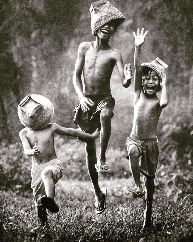 Question: What calls you out to play? • Insight: Laughter and play is a powerful medicine to shake the burdens of a busy and stressful life. • Action: Take 5 mins today and Play, connect with your inner child and free yourself of the seriousness of the day!!
