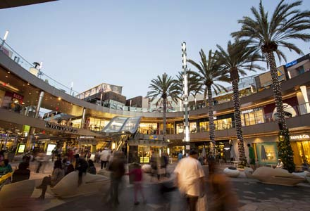 Santa Monica Place, Frank Gehry, 1977-1980 (with Gruen Associates) – an example of Gehry's early work before producing his more sculpturally expressive designs in the later phase of his career.
