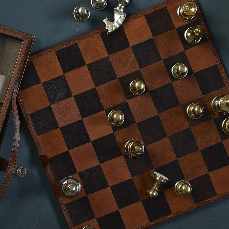 chess-set-800.jpg