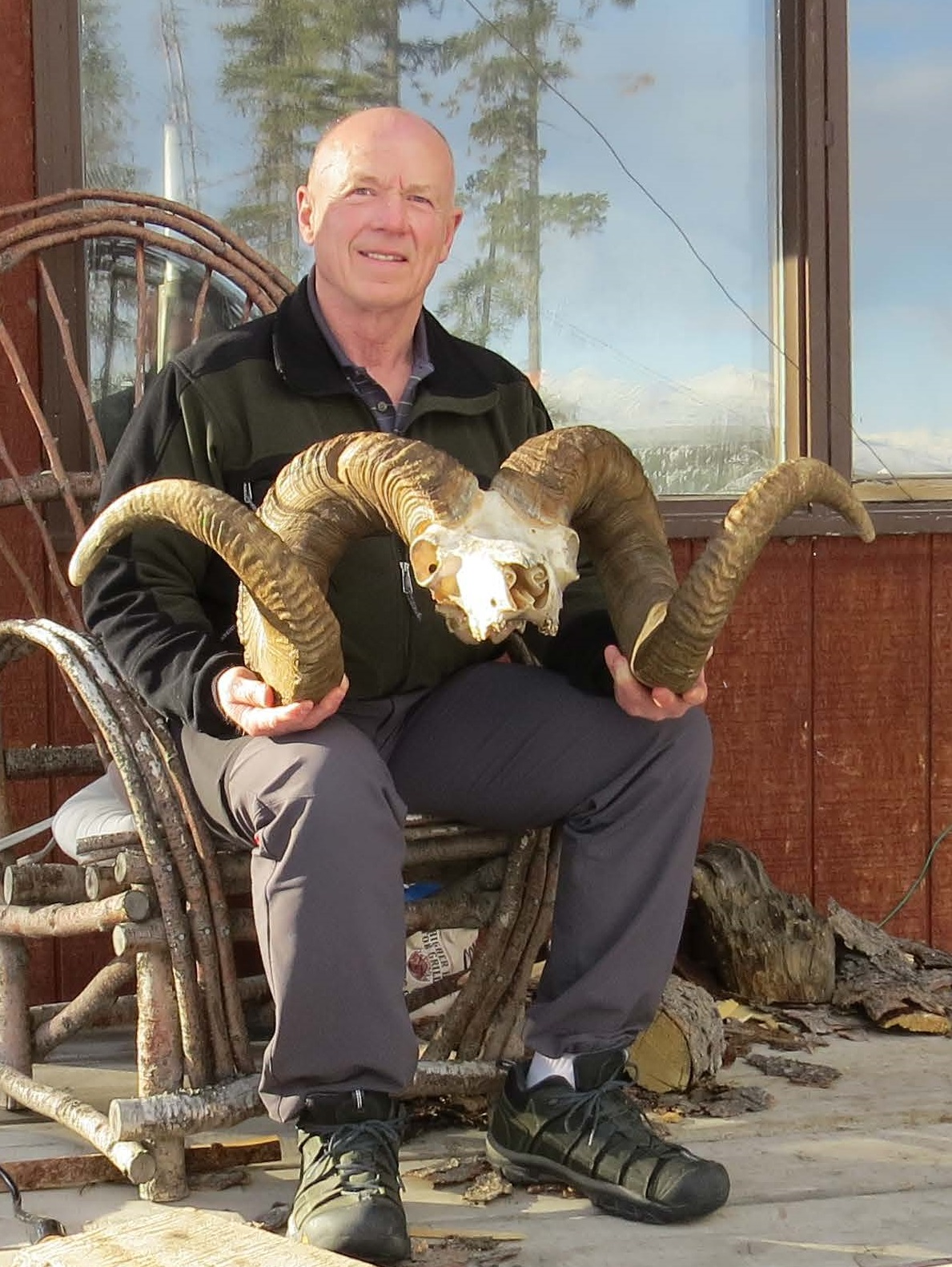 "MEET THE AUTHOR - Lewis D. Bradley47 years Alaska residentServed in US Army 1967-1970Hunted Alaska since 1968Teacher & Coach for 40 yearsAntler, Horn & Bone CarverHarvested 35 Dall Rams14 Rams over 40""9 B&C Dalls with 3 Rams 180+"
