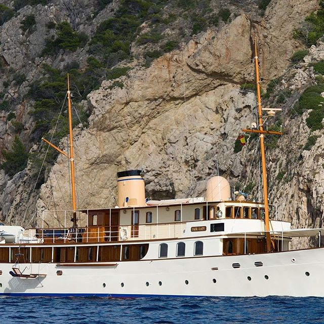 Luxury is... Fair Lady, a glorious 36.9m 1927 motor yacht. Built in the UK by Camper & Nicholson and a wonderful evocation of a gentler and more thoughtful time. Interiors are straight from the period - lots of bookshelves, a card table and not a TV screen in site! One from the days before the words 'super' or 'mega' had to be added to the word 'yacht'. Currently for sale through Burgess Yachts for a 'modest' €5,750,000 A real beauty for a sophisticated buyer. Absolutely stunning. @burgessyachts #burgessyachts #luxuryyachting #gentlemansyacht #motoryachts #vintagemotoryachts #luxuryholiday #realsuperyachts #mediterranean #yachtbliss