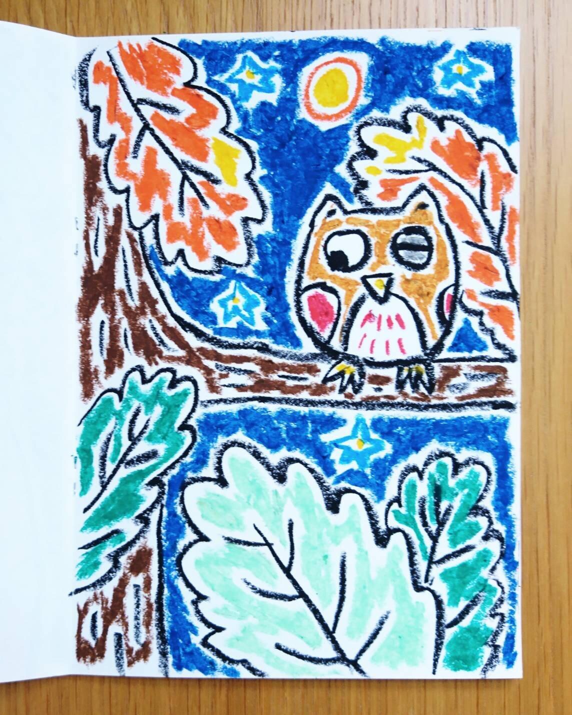 An owl in the tree saw the polar bear.