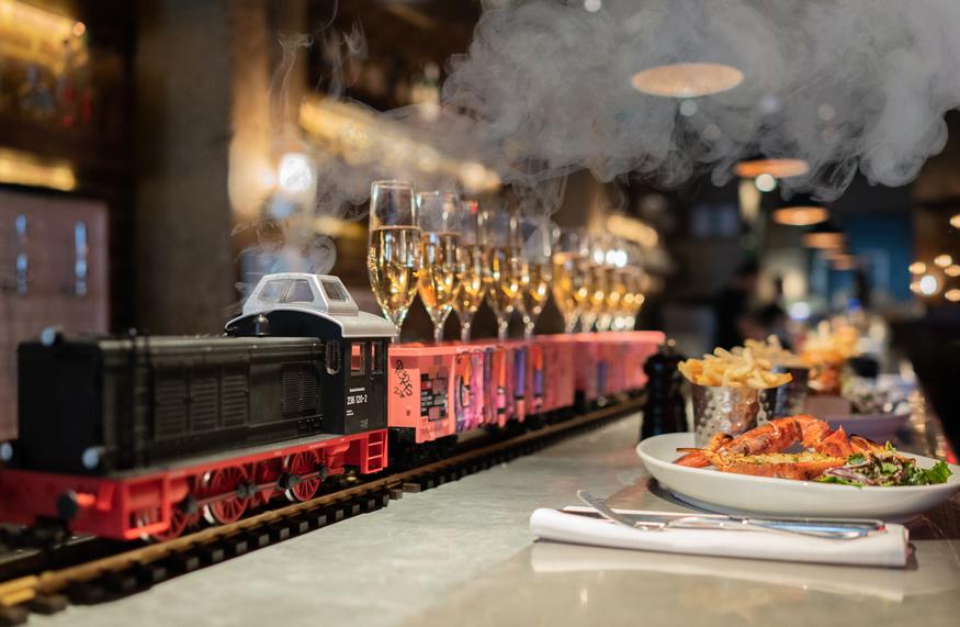 champagne+train.jpg