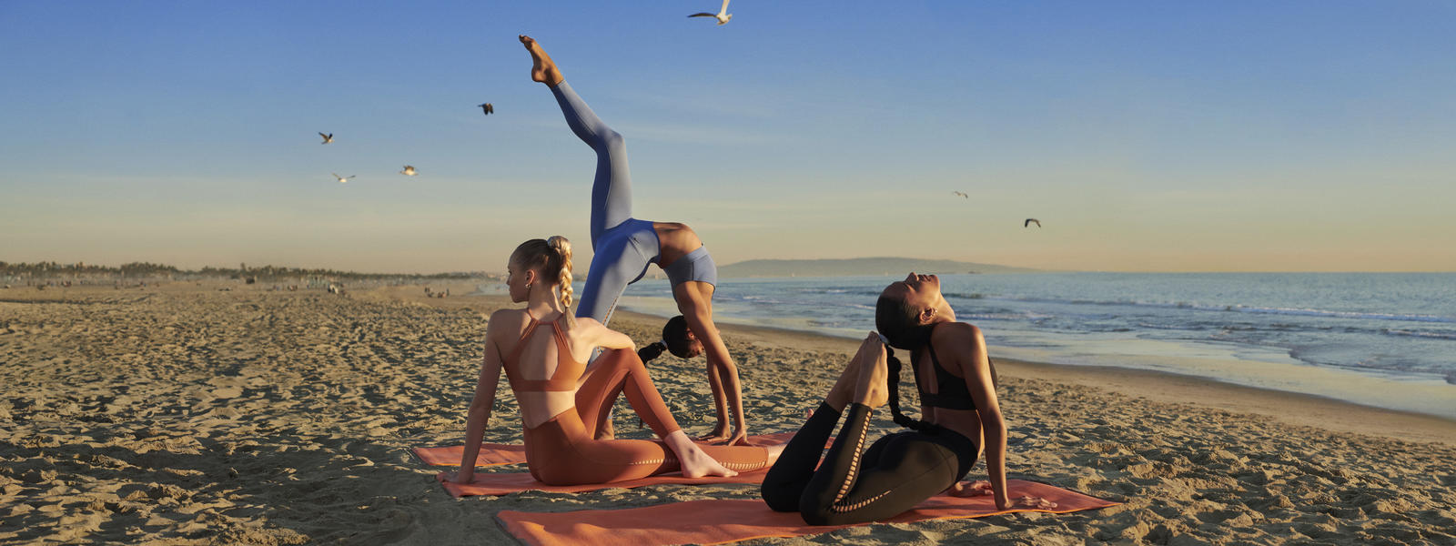 SU19_Nike_Yoga_Collection6_native_1600.jpg
