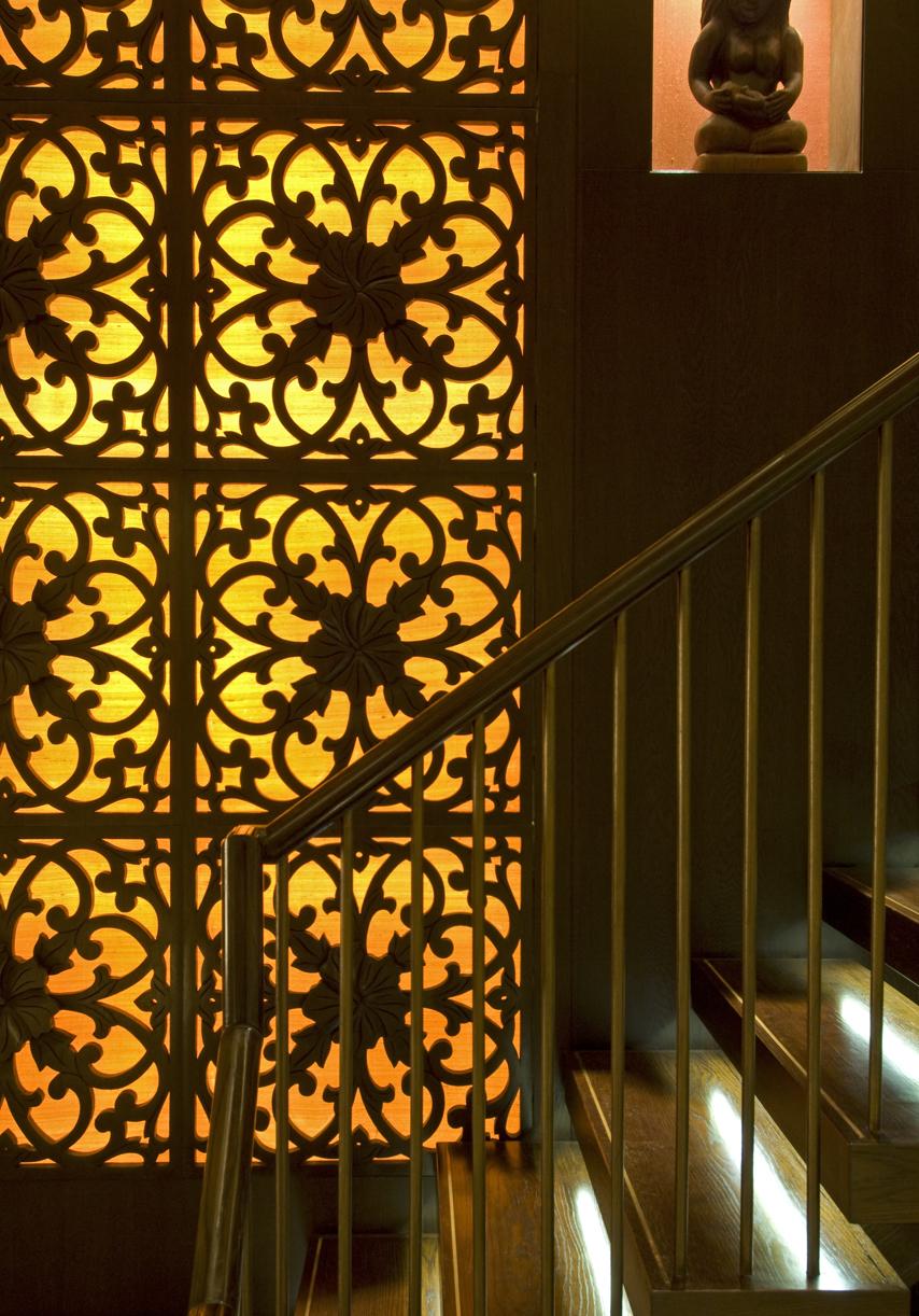 Stairwell Hibiscus Screen DSC_0004.jpg