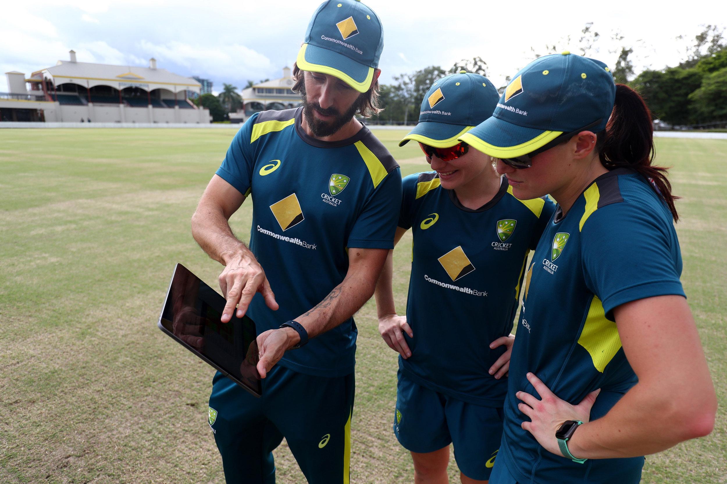 Australia-womens-cricket-team-uses-Apple-Watch-coach-with-players-062319.jpg