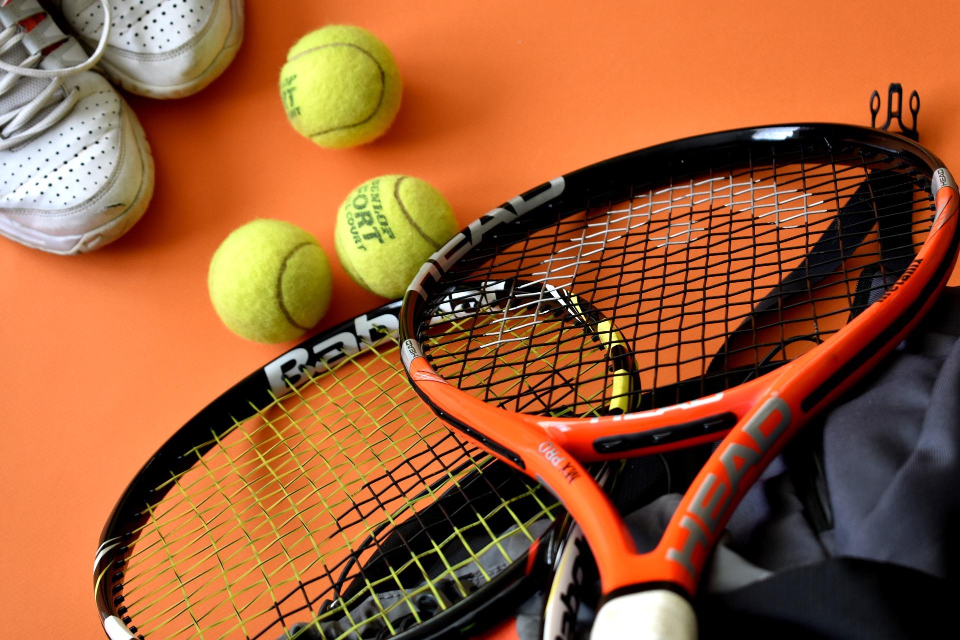 tennis-3554019_1920.jpg
