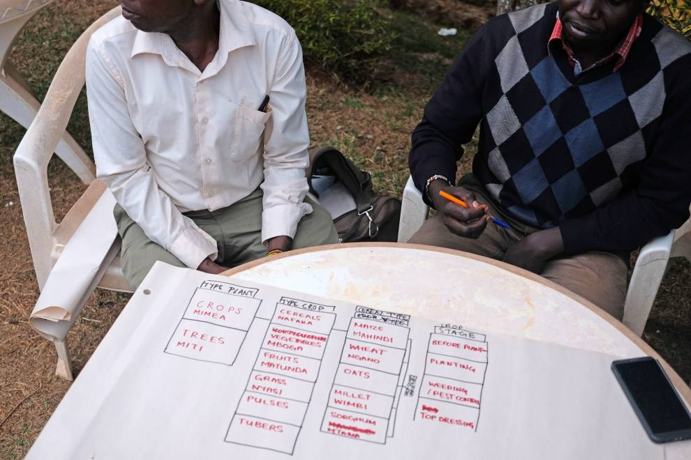 The team designing a Sapelli Collector project that meets the needs of different farmers in the Elgeyo-Marakwet county. © Megan Laws