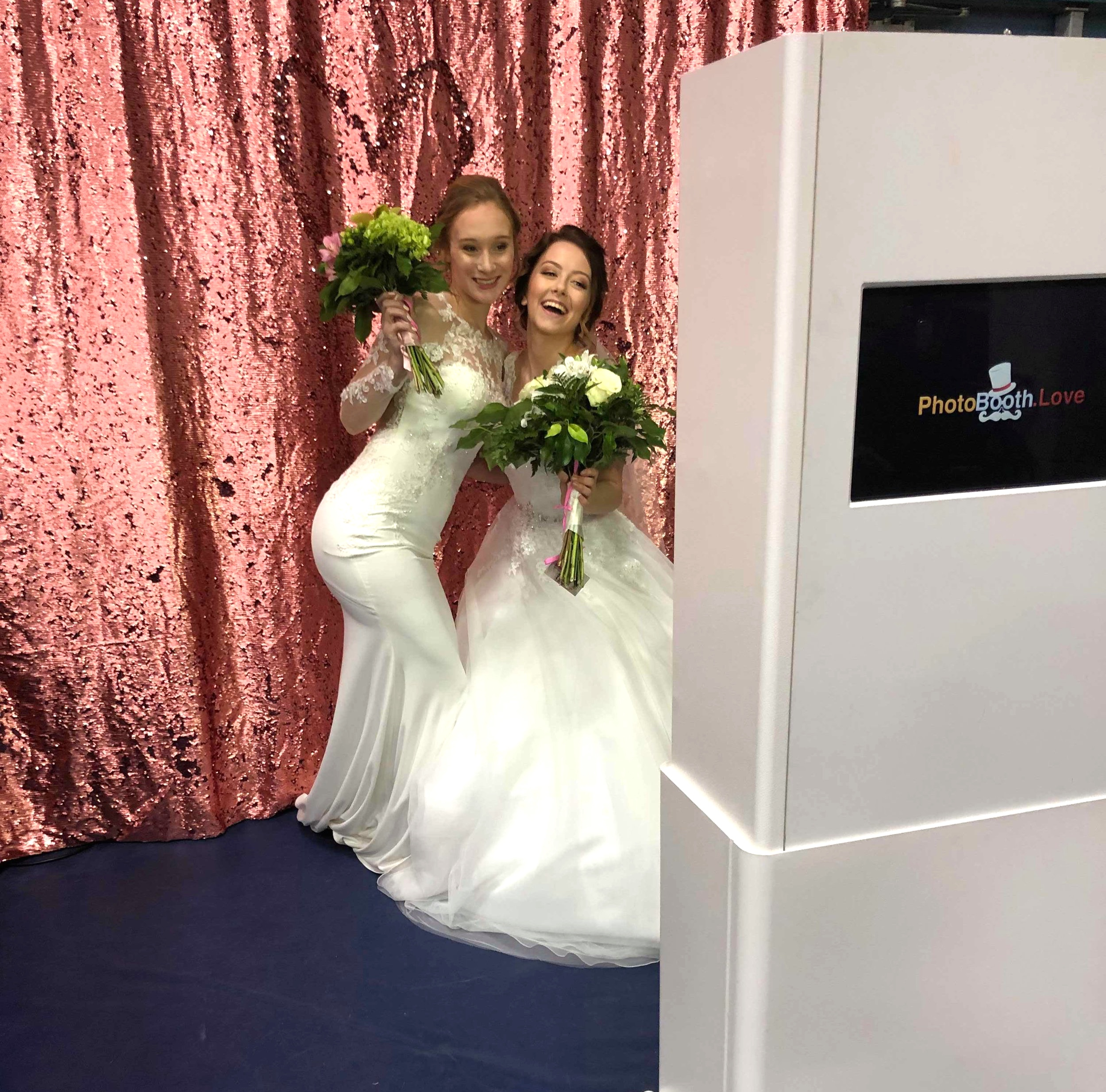 """""""Open Photo Shoot Style"""" Photo Booth"""
