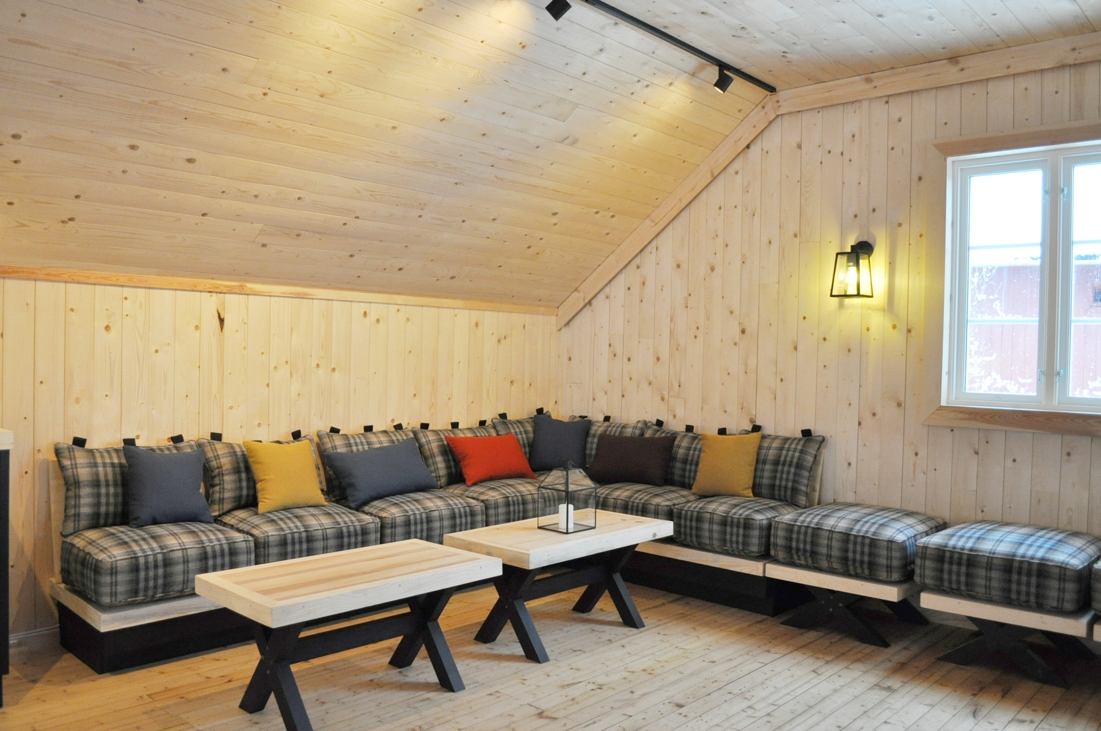 Allrom sofaplass bord interiørarkitektur oslo.jpg