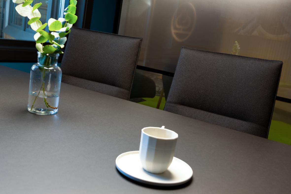 Bank møterom detaljer kaffe farger interiørarkitekt oslo .jpg