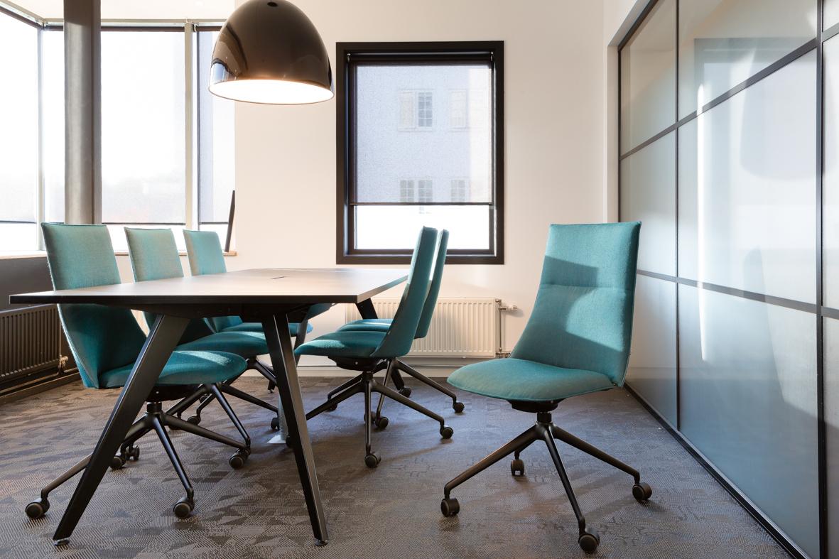 Bank kontor interiørarkitekt oslo kreativt farger blå .jpg