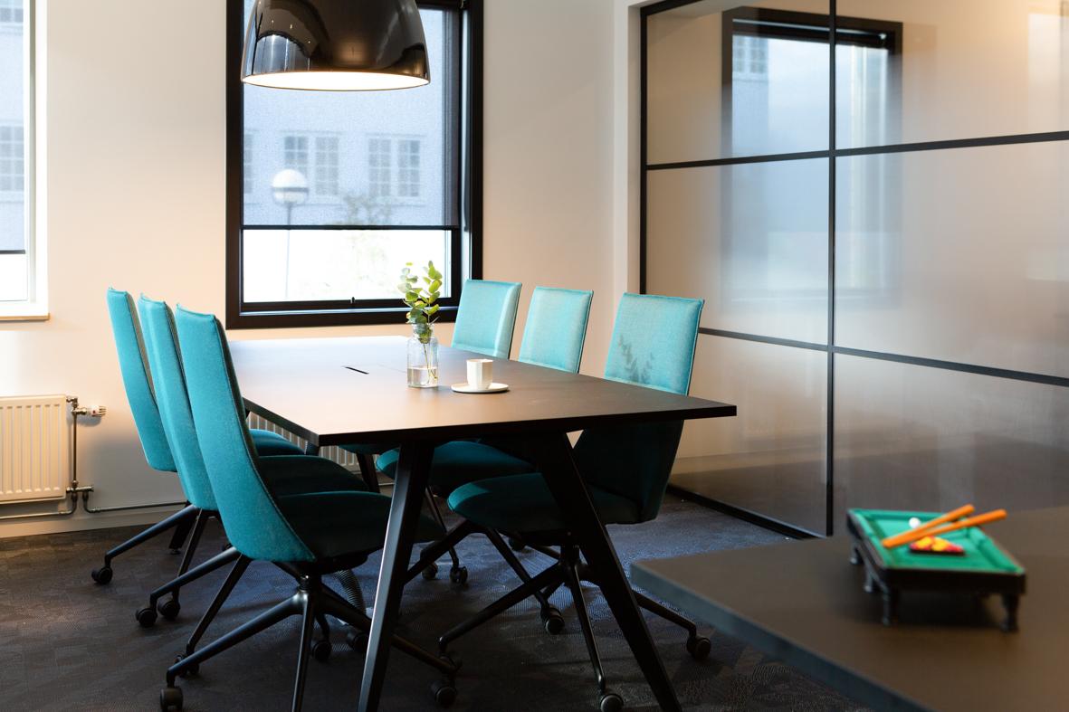 bank interiørarkitekt oslo kontor farger.jpg