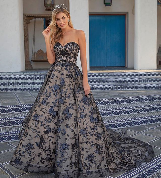 Hey ladies, don't want to be basic? Well do we have a gown for you!! @belovedbycasablanca has designed this beauty that we will be hanging on our racks! Omglob this thing is amazing!! We know this isn't for everyone but we can't wait to see it on... Happy Hump Day! . . . #blackweddingdress #notbasic #glambride #bridalgoals #notthenorm #outofthebox #weddinggowns #weddingdress