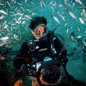 david-doubilet-shark-photographer.png